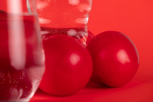 Gros plan, eau, tomates Photo gratuit