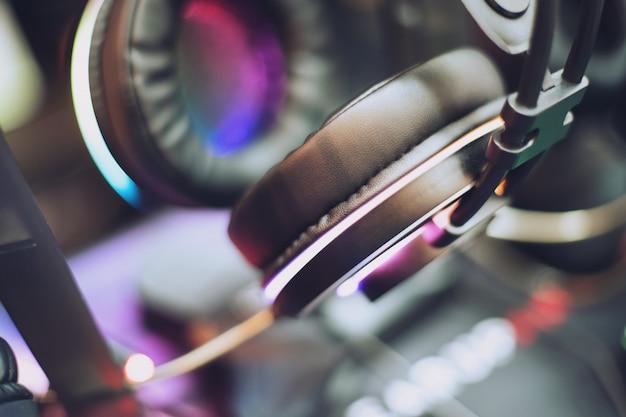 Gros Plan Des écouteurs De Jeu Rvb Photo Premium