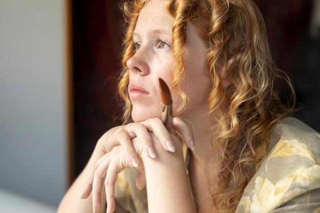 Gros Plan, Femme, Cheveux Roux, Penser Photo gratuit