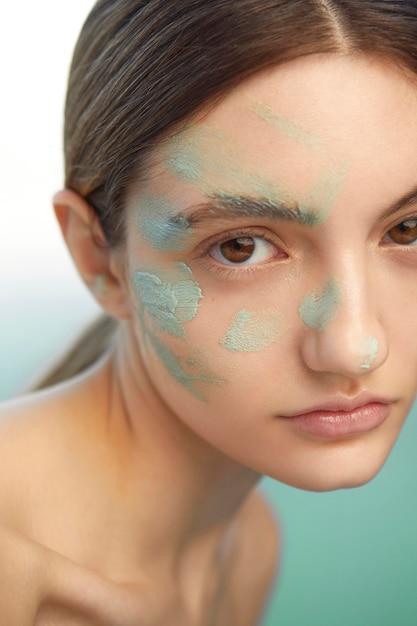 Gros Plan, Femme, Utilisation, Masque Facial Photo gratuit