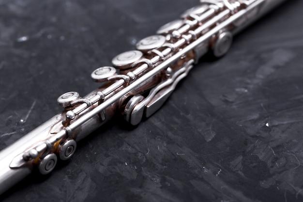 Gros plan, flûte métal Photo gratuit