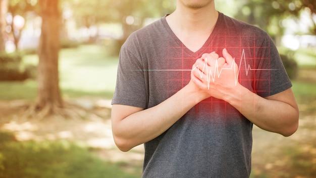 Gros Plan De L'homme Est Une Crise Cardiaque Photo Premium