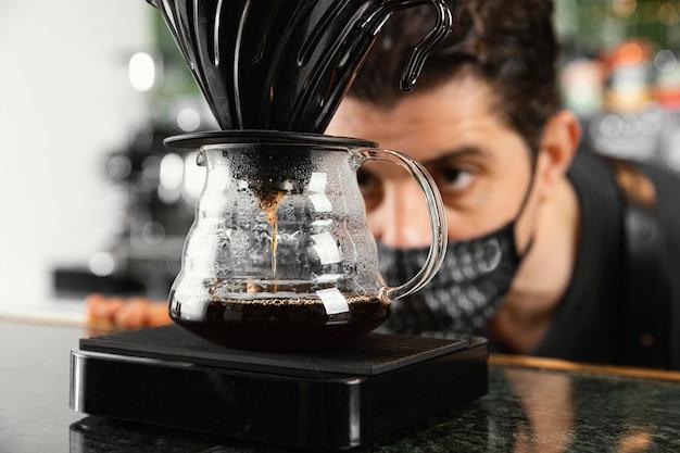 Gros Plan, Homme, Regarder Café Photo Premium