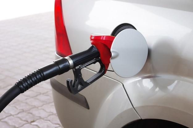 Gros plan d'une machine à essence Photo Premium