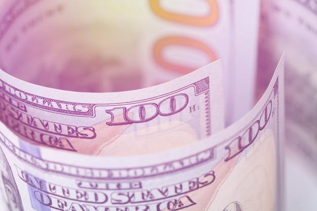Gros plan macro de billet de cent dollars américains. Photo Premium