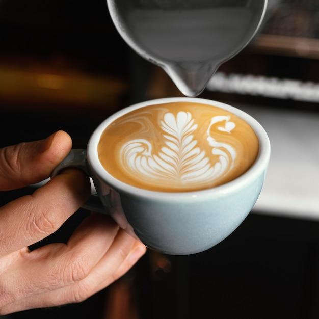 Gros Plan, Main, Tenue, Tasse, à, Café Photo Premium