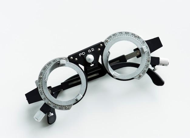 Gros plan de mesure de lunettes Photo gratuit