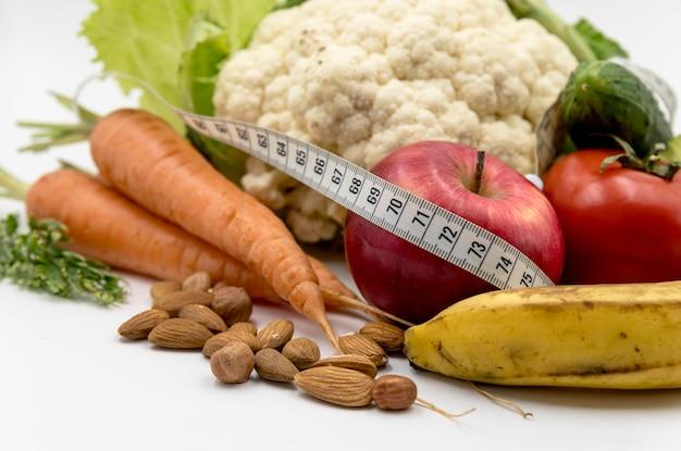 Gros plan, nourriture saine, à, mètre ruban Photo gratuit