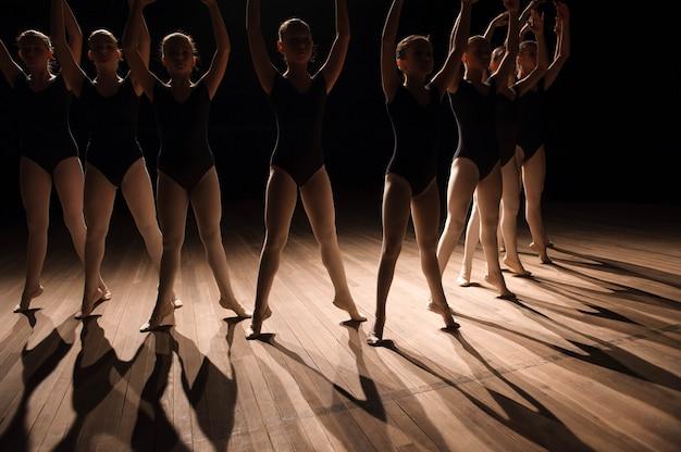 Gros plan, pieds, ballet, classe, danse Photo Premium