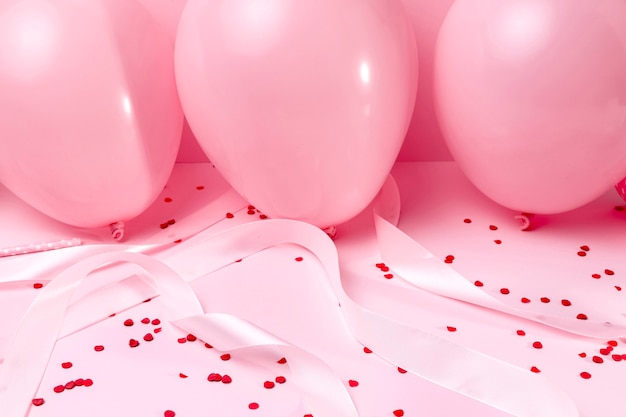 Gros Plan, Rose, Ballons, Table Photo Premium