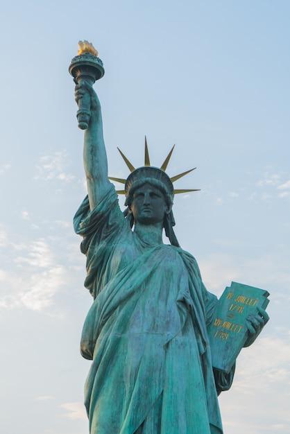 Gros Plan De La Statue De La Liberté Photo Premium