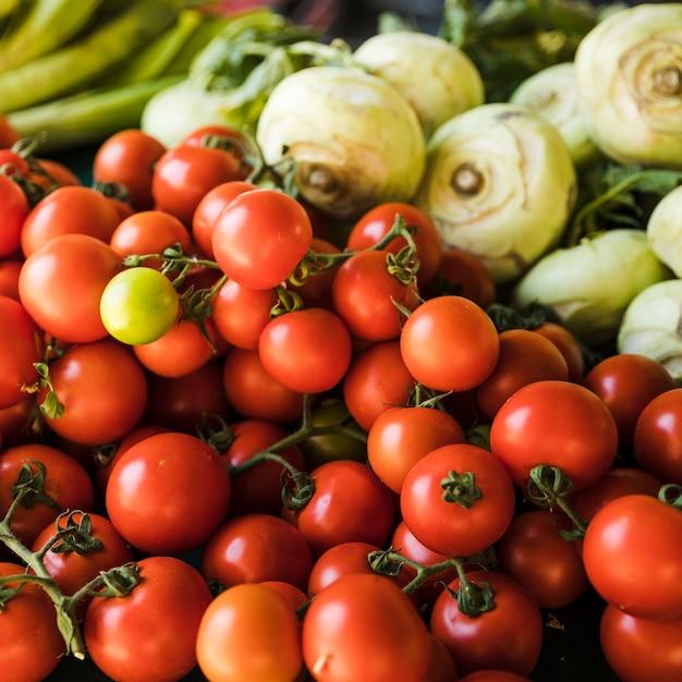 Gros plan, tomates rouges, vente, marché Photo gratuit