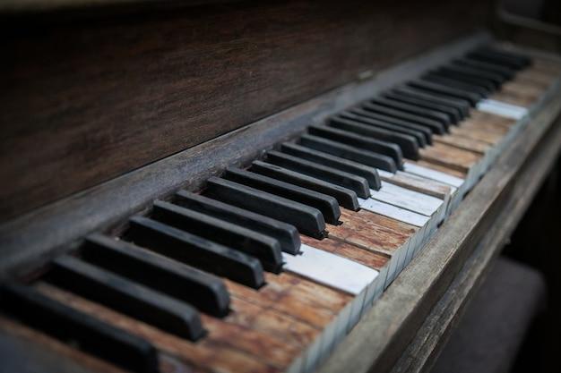 Gros Plan D'une Touches De Piano En Bois Photo gratuit