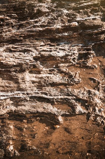 Gros rochers gris de la falaise Photo gratuit