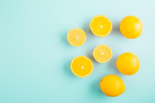Groupe de citrons vue de dessus Photo gratuit