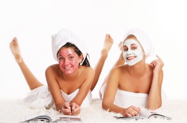 Groupe De Deux Belles Femmes Photo gratuit