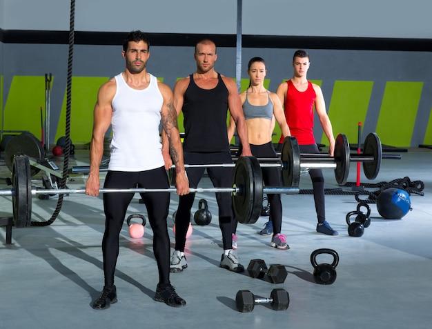 Groupe de gym avec entraînement crossfit Photo Premium