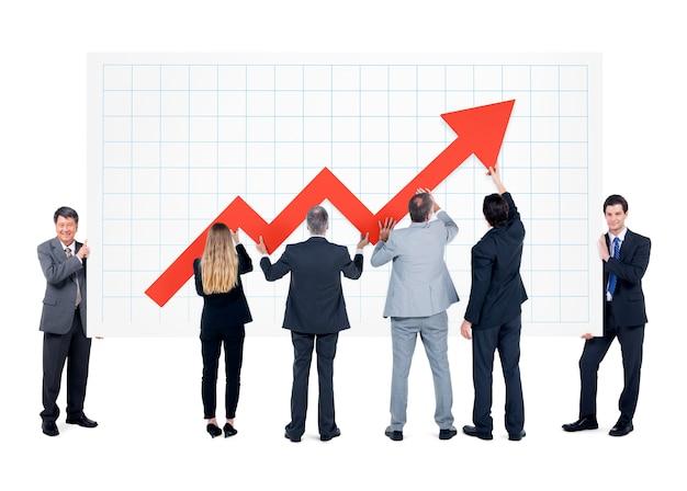 Groupe d'hommes d'affaires avec signe de flèche d'augmentation Photo Premium