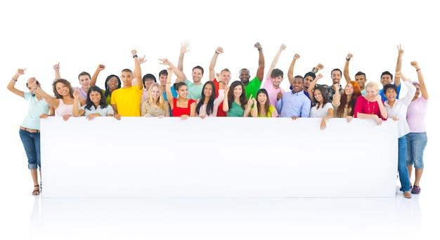 Groupe de joyeux étudiants divers Photo Premium