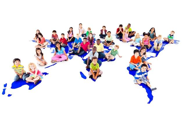 Groupe de portrait en studio divers enfants Photo Premium