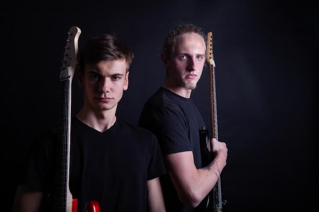 Groupes de rock avec guitares Photo Premium