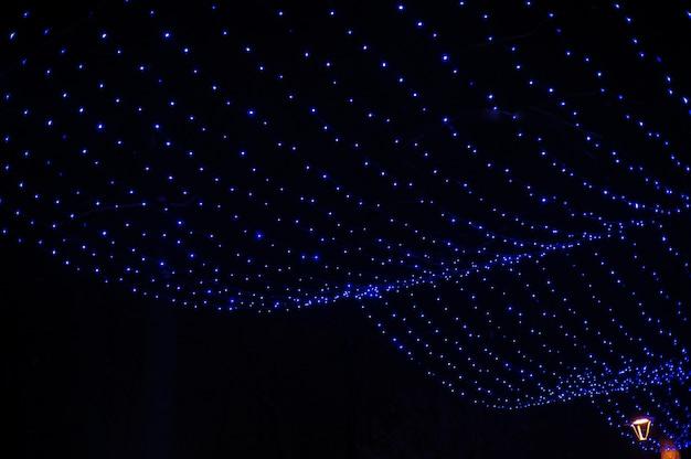 Guirlande Bleue Dans Le Décor De Noël De Winter Park Photo Premium