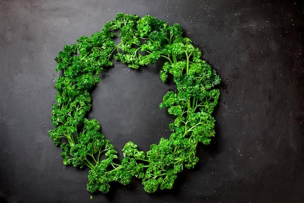 Guirlande de légumes et d'herbes Photo Premium