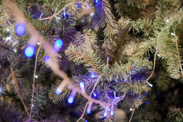 Guirlande de noël, arbre de noël Photo Premium