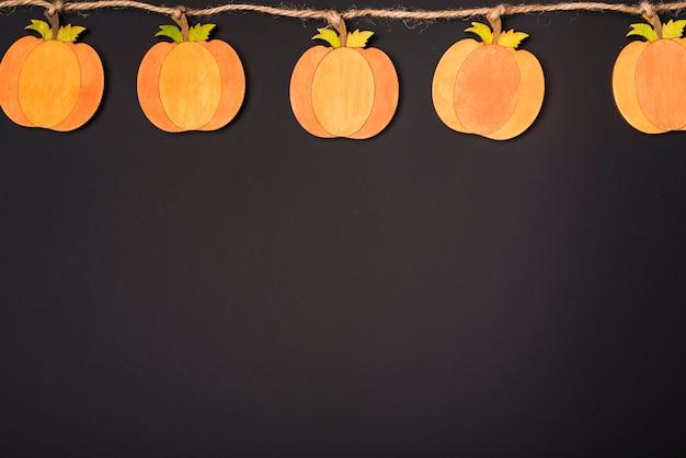 Guirlande de papier pour halloween Photo gratuit