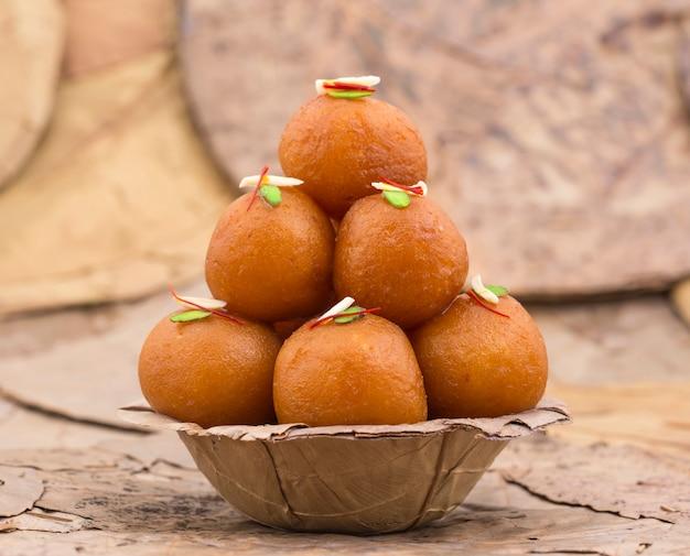 Gulab jamun sweet food Photo Premium