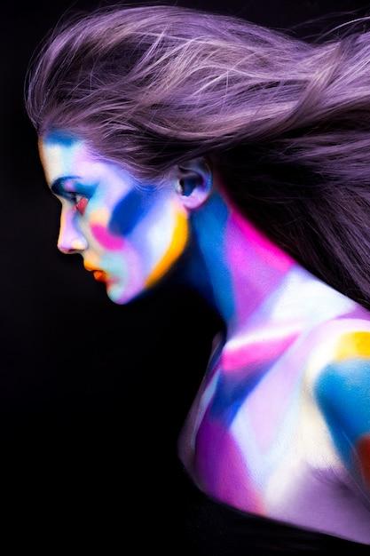 Halloween. Portrait De Jeune Belle Fille Avec Maquillage D'art Photo Premium