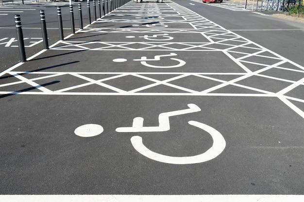 Handicap handicapé signe pour le stationnement Photo Premium