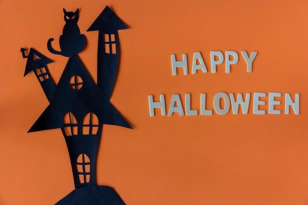 Happy halloween avec le château de la maison hantée Photo Premium