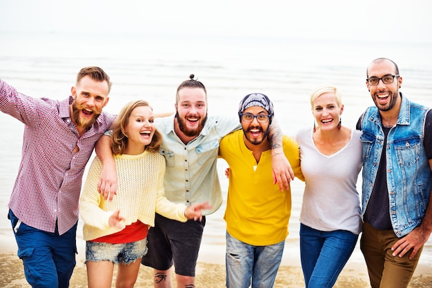 Heureux groupe d'amis Photo Premium