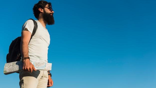 Hipster en vacances Photo gratuit