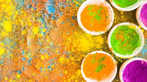 Holi couleurs en pots Photo gratuit
