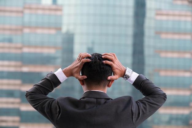 Homme D'affaires Fatigué Ou Stressé Photo Premium