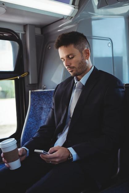 Homme Affaires, Tenue, Jetable, Tasse à Café, Utilisation, Mobile ... Photo gratuit