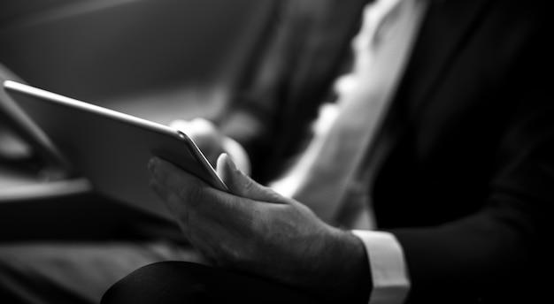 Homme affaires, utilisation, tablette Photo gratuit