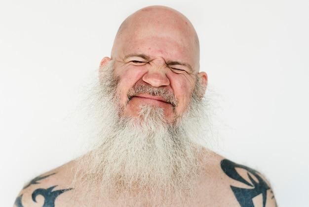 Homme américain souriant sur fond blanc Photo gratuit