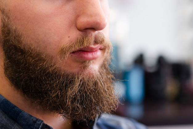 Homme, barbe, après, toilettage, gros plan Photo gratuit