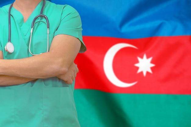Homme Chirurgien Ou Médecin Avec Stéthoscope Contre Le Drapeau Azerbaïdjanais Photo Premium