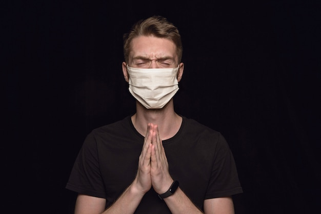 Homme, Dans, Masque Protecteur Photo gratuit