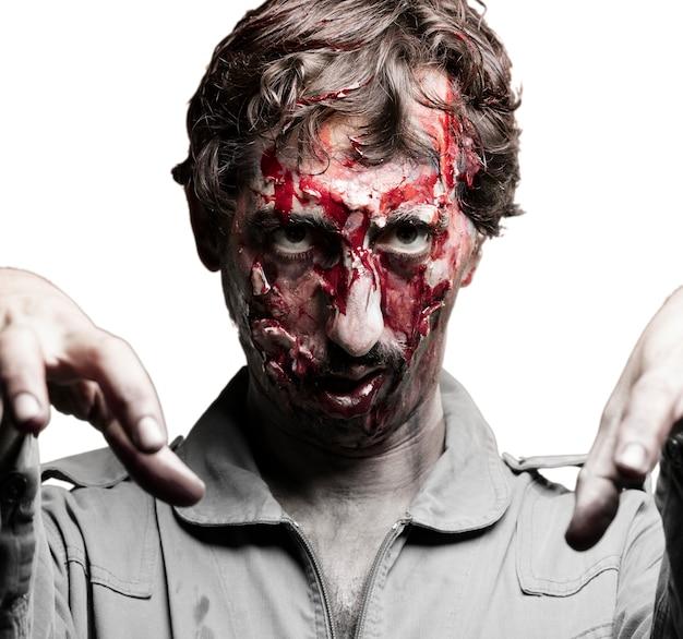 L'homme Déguisé En Zombie Photo gratuit