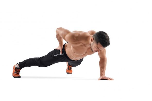 Homme Faisant De L Exercice De Planche D Une Part Photo Gratuite