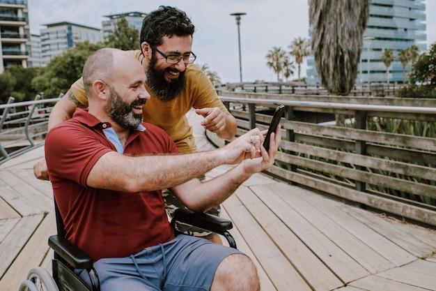recherche homme handicape