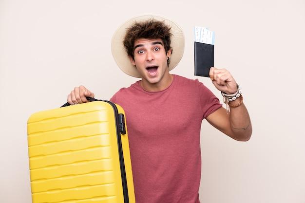 Homme Jeune Voyageur Photo Premium