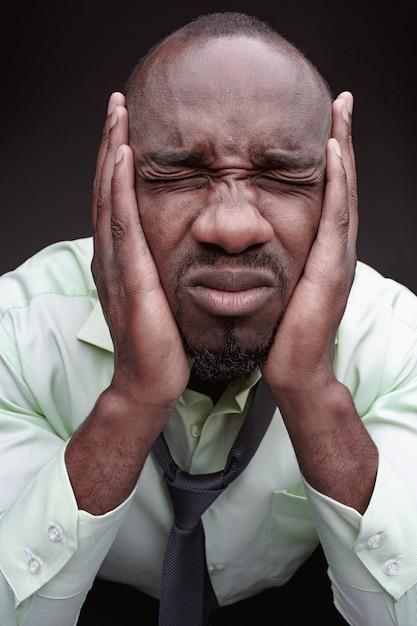 Homme Noir Peur Fac Photo gratuit