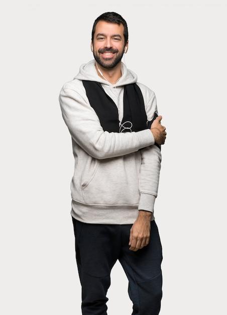 Homme sportif avec expression heureuse Photo Premium