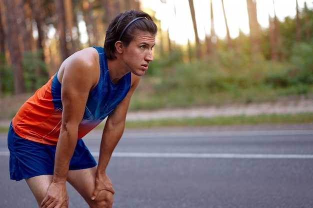 Homme sportif en plein air Photo Premium